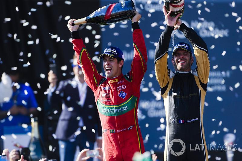 Lucas di Grassi, ABT Schaeffler Audi Sport, y Jean-Eric Vergne, Techeetah, rociar la Champaña en el podio