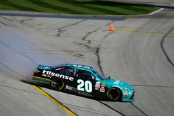 Denny Hamlin, Joe Gibbs Racing Toyota spinning