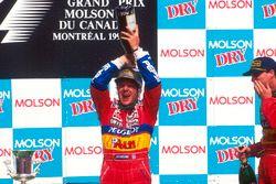Podium: second place Rubens Barrichello, Jordan, third place Eddie Irvine, Jordan