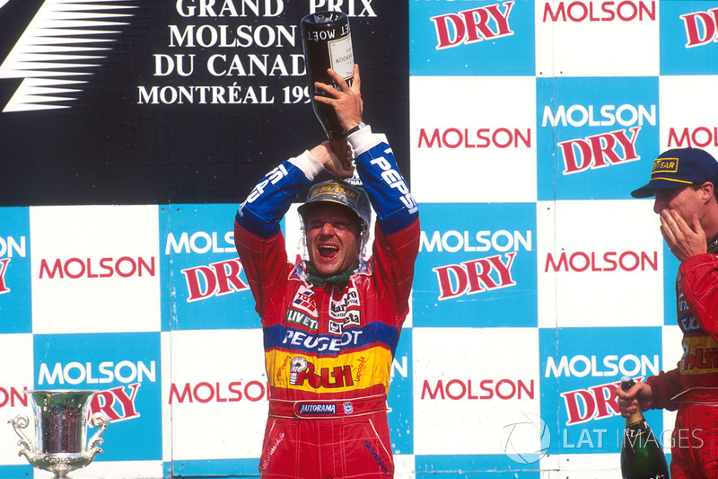 Podium : le second Rubens Barrichello, Jordan, le troisième Eddie Irvine, Jordan