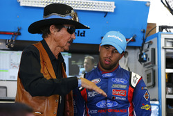 Darrell Wallace Jr., Richard Petty Motorsports Ford, mit Richard Petty