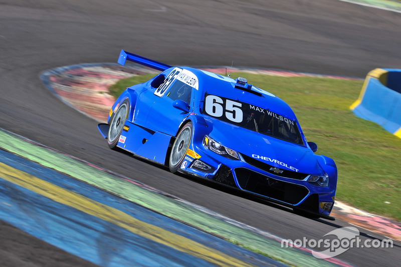 Max Wilson dominou as ações na primeira prova da etapa de Cascavel da Stock Car.