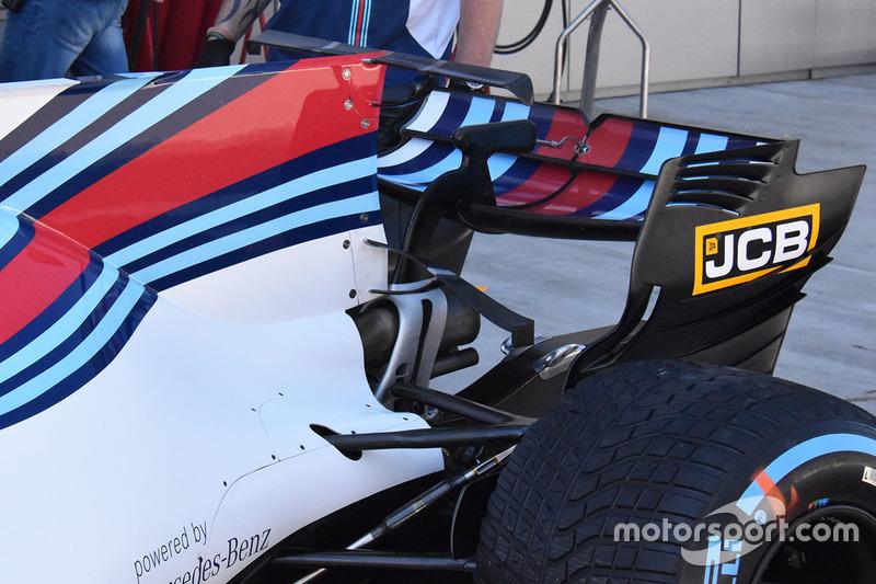 Williams FW40 T-