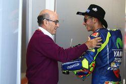 Carmelo Ezpeleta, CEO Dorna Sports, Valentino Rossi, Yamaha Factory Racing