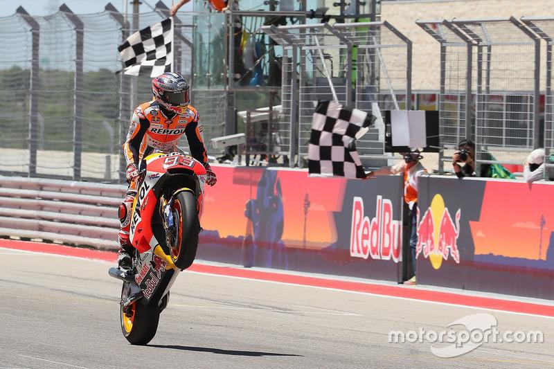 Marc Márquez, Repsol Honda Team, se lleva la bandera a cuadros