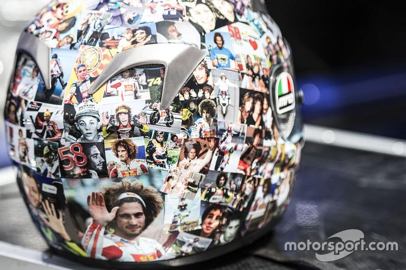 A fans helmet