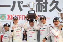 第2戦で優勝した#97Modulo CIVIC TCRのトリオ(伊藤真一/海老澤紳一/中野信治)