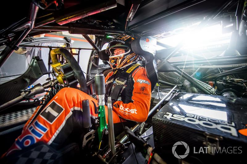 Джеймс Кортни, Walkinshaw Racing
