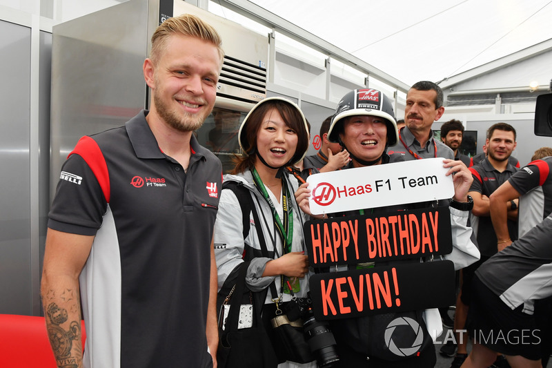 Perayaan ulang tahun Kevin Magnussen, Haas F1 Team