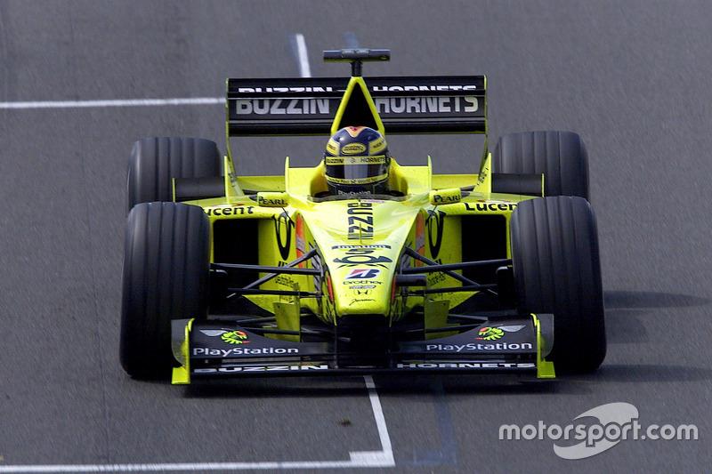 Jordan en el Gran Premio de 2000 en Gran Bretaña: ese año Jordan siguió sustituyendo con Buzzin Hornets a Benson & Hedges