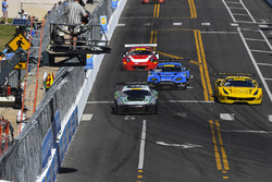 #44 Magnus Racing Audi R8 LMS: John Potterr, #31 TR3 Racing Ferrari 488 GT3: Daniel Mancinelli