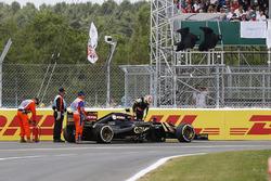 Abandon de Pastor Maldonado, Lotus E23