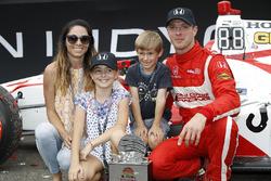 Sébastien Bourdais, Dale Coyne Racing Honda with wife Claire, daughter Emma, and son Alexander