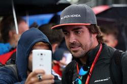 Fernando Alonso, McLaren avec des fans