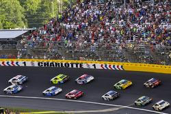 Ricky Stenhouse Jr., Roush Fenway Racing, Ford; Jimmie Johnson, Hendrick Motorsports, Chevrolet
