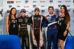Ganador de la carrera Roy Nissany, RP Motorsport, segundo lugar Pietro Fittipaldi, Lotus, tercer lug