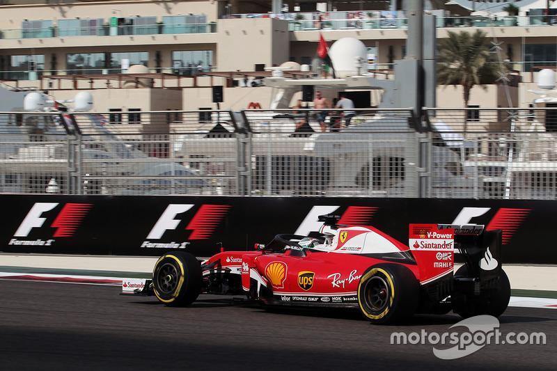 Sebastian Vettel, Ferrari SF16-H con el Halo en el coche