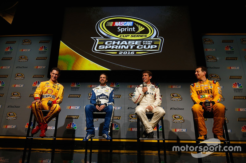 2016: Joey Logano, Jimmie Johnson, Carl Edwards, Kyle Busch