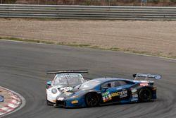 #18 KÜS TEAM75 Bernhard, Porsche 911 GT3 R: Adrien de Leener, Christopher Friedrich en #66 Attempto