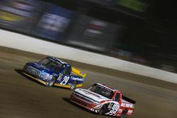 Chase Briscoe, Brad Keselowski Racing Ford, Ty Dillon, MDM Motorsports Chevrolet