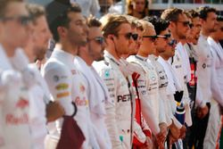 فيليبي ماسا، ويليامز و فالتيري بوتاس، ويليامز والسائقين أثناء عزف النشيد الوطني