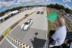Start: #15 Multimatic Motorsports Mustang Boss 302R: Billy Johnson, Scott Maxwell leads