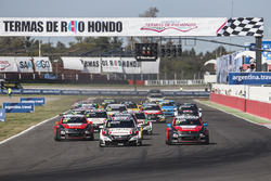 Start: Norbert Michelisz, Honda Racing Team JAS, Honda Civic WTCC leads