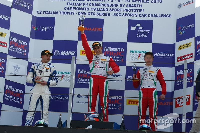 Podium: Juan Manuel Correa, Prema Power; Simone Cunati, Vincenzo Sospiri Racing; Juri Vips, Prema Po