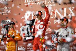Podium: race winner Scott Dixon, Chip Ganassi Racing Chevrolet, second place Simon Pagenaud, Team Pe