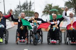 Алекс Дзанарди и команда Италии
