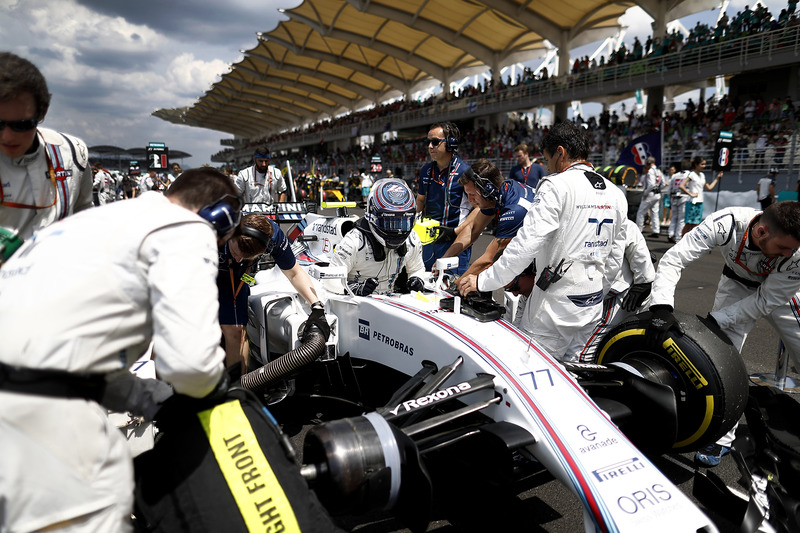 Valtteri Bottas, Williams, arrive sur la grille
