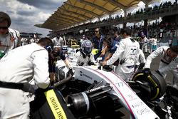 Valtteri Bottas, Williams, arrive sur la grille