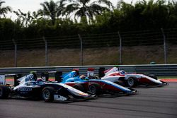 Steijn Schothorst, Campos Racing; Arjun Maini, Jenzer Motorsport; Nyck De Vries, ART Grand Prix