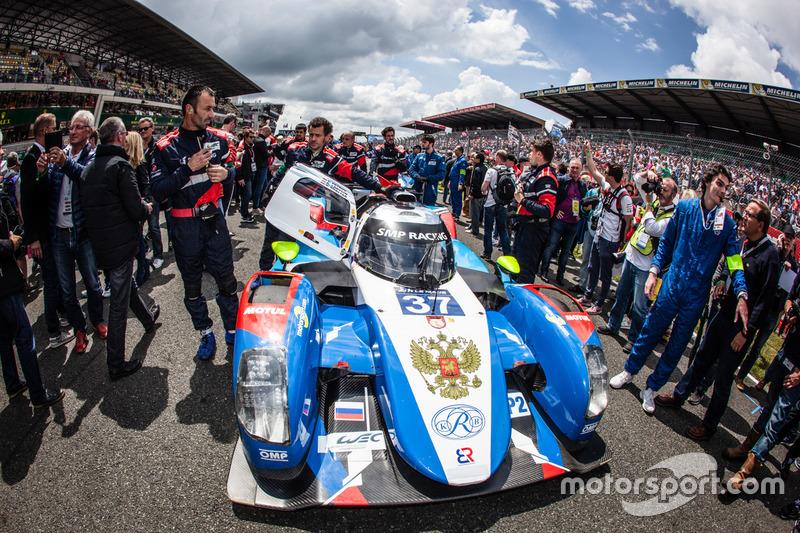 #37 SMP Racing BR01 Nissan