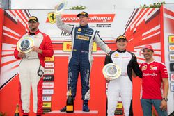 Coppa Shell Podyum: 1. Matt Keegan, 2. Karl Williams, 3. Jean-Claude Saada