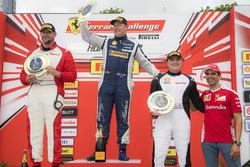 Coppa Shell podium: winner Matt Keegan, second place Karl Williams, third place Jean-Claude Saada