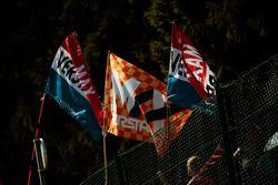 Des drapeaux pour Max Verstappen, Red Bull Racing