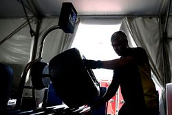 Neumáticos Pirelli son inflados