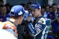 Segundo, Jorge Lorenzo, Yamaha Factory Racing y tercero Marc Márquez, Repsol Honda Team en el parc f