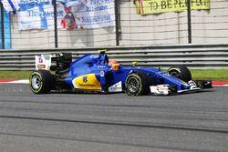 Felipe Nasr, Sauber C35 avec une crevaison