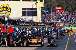 David Reynolds, Erebus Motorsport Holden, pit action