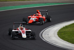Charles Leclerc, ART Grand Prix y Jack Aitken, Arden International