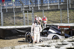 #2 Porsche Team Porsche 919 Hybrid: Romain Dumas, Neel Jani, Marc Lieb, crash in Turn 1