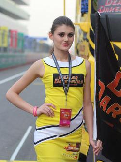 Tata T1 Prima grid girl