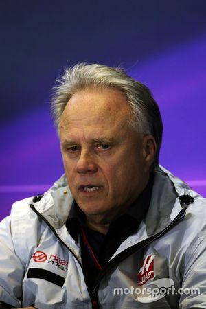 Gene Haas, Presidente de Haas Automotion en conferencia de prensa de la FIA