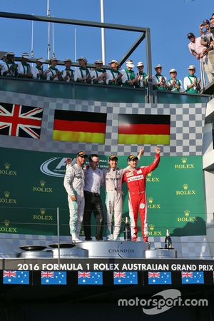 Podium: 1. Nico Rosberg, Mercedes AMG F1 Team; 2. Lewis Hamilton, Mercedes AMG F1 Team; 3. Sebastia