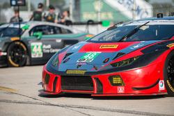 El auto #48 Paul Miller Racing Lamborghini Huracan: Bryan Sellers, Madison Snow, Bryce Miller