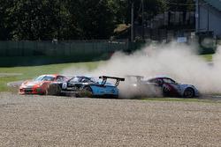 Incidente tra, Simone Iaquinta, Dinamic Motorsport, Daniele di Amato, Dinamic Motorsport, Tsunami RT