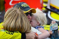 Winnaar Matt Kenseth, Joe Gibbs Racing Toyota met vrouw en kind