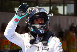 Nico Rosberg, Mercedes AMG F1 fête sa seconde place en qualifications dans le parc fermé